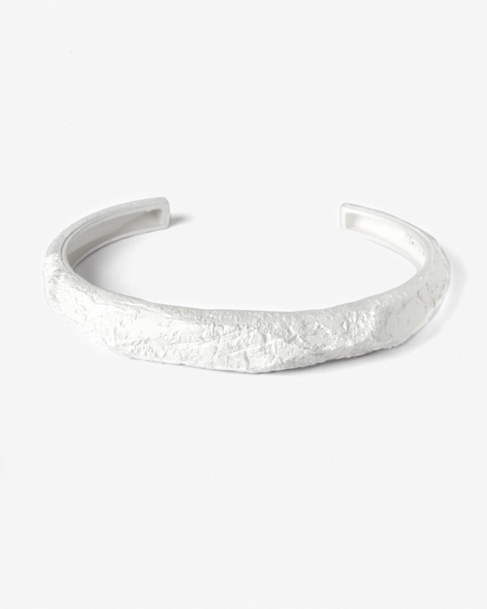 Bracelets MATERIC WHITE POLYGON BANGLE NOVE25