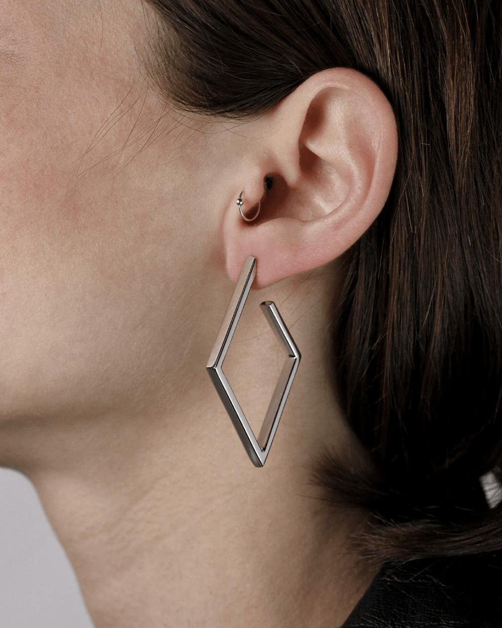 Earrings RECTANGULAR THREAD ROMBUS HOOP PAIR EARRINGS NOVE25