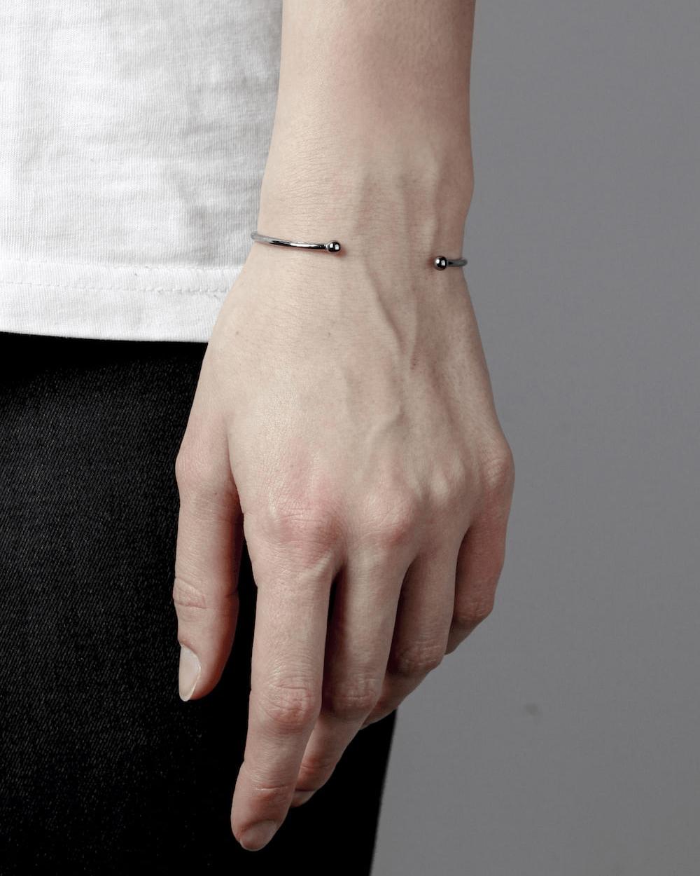 Bracelets RUTHENIUM SPHERES SMALL PIERCING BRACELET NOVE25