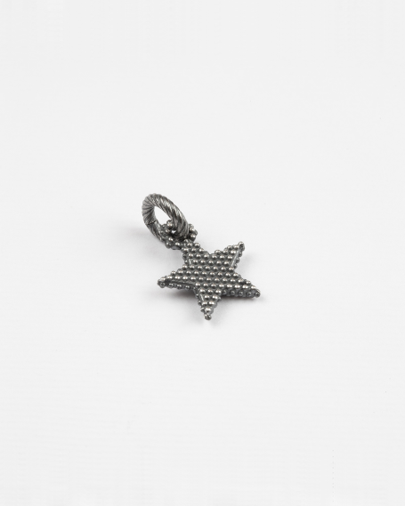 DOTTED STAR CHARM PENDANT