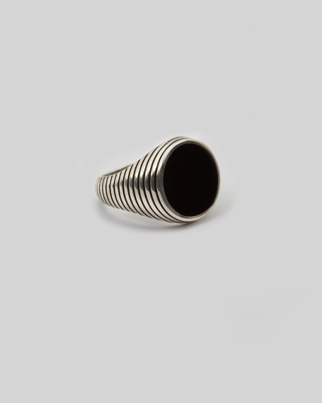 BLACK ENAMELLED ROUND STRIPED SIGNET RING