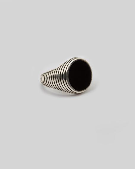 BLACK ENAMELLED ROUND STRIPED SIGNET RING