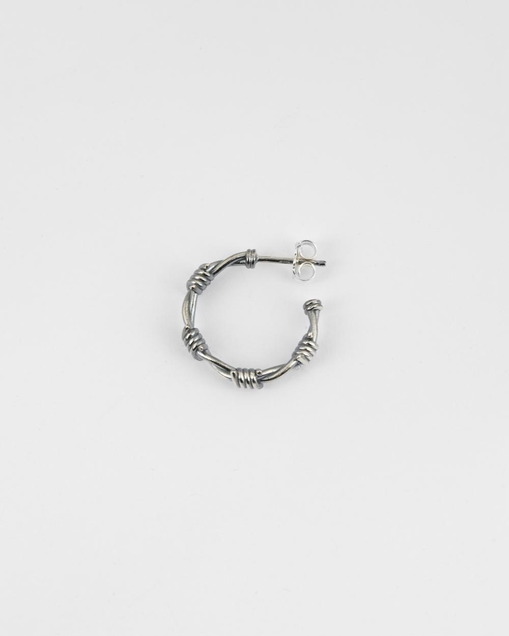 orecchino singolo filo spinato piccolo