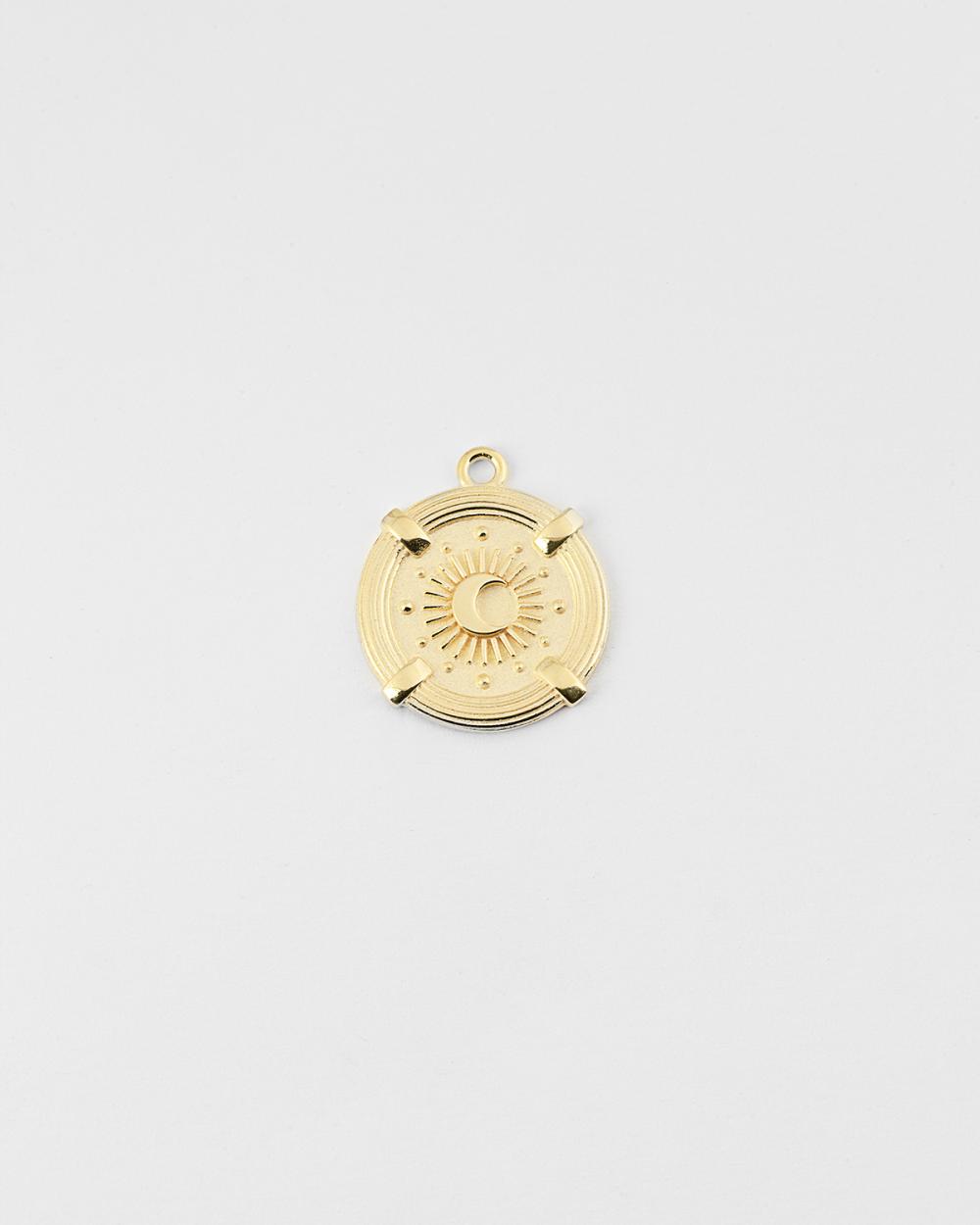 yellow gold wheel of fortune pendant