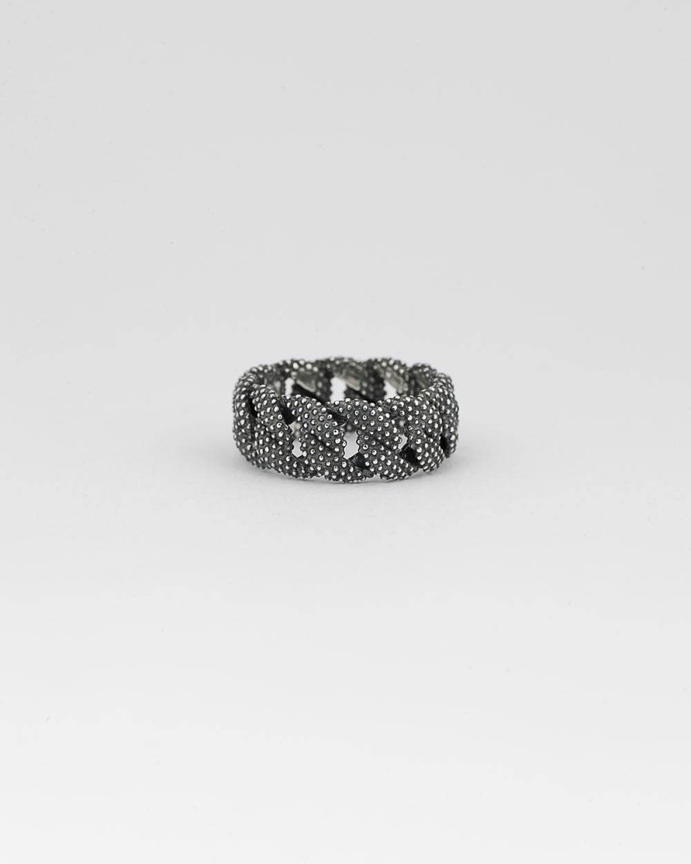 small dotted curb ring