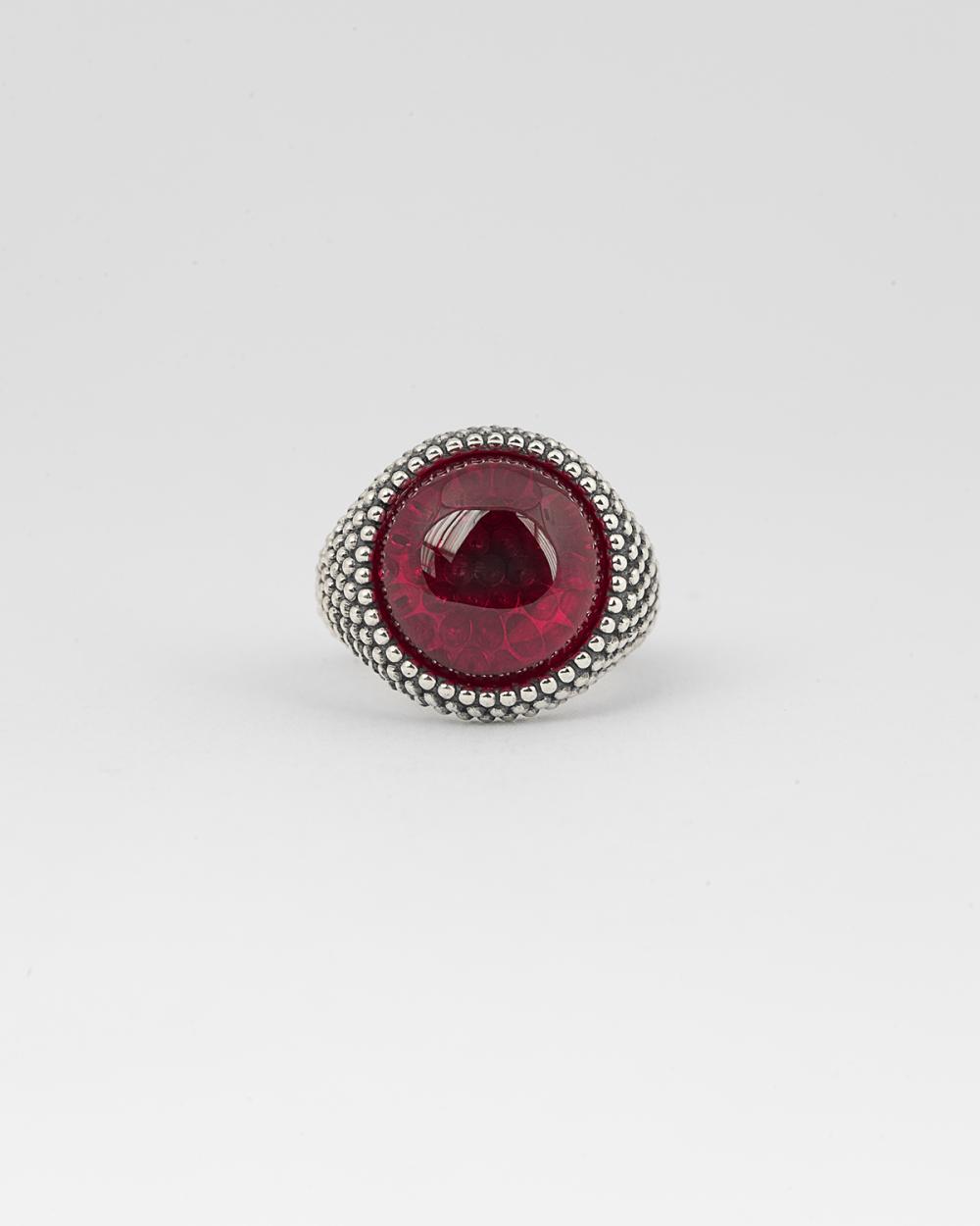 dotted round corundum signet ring