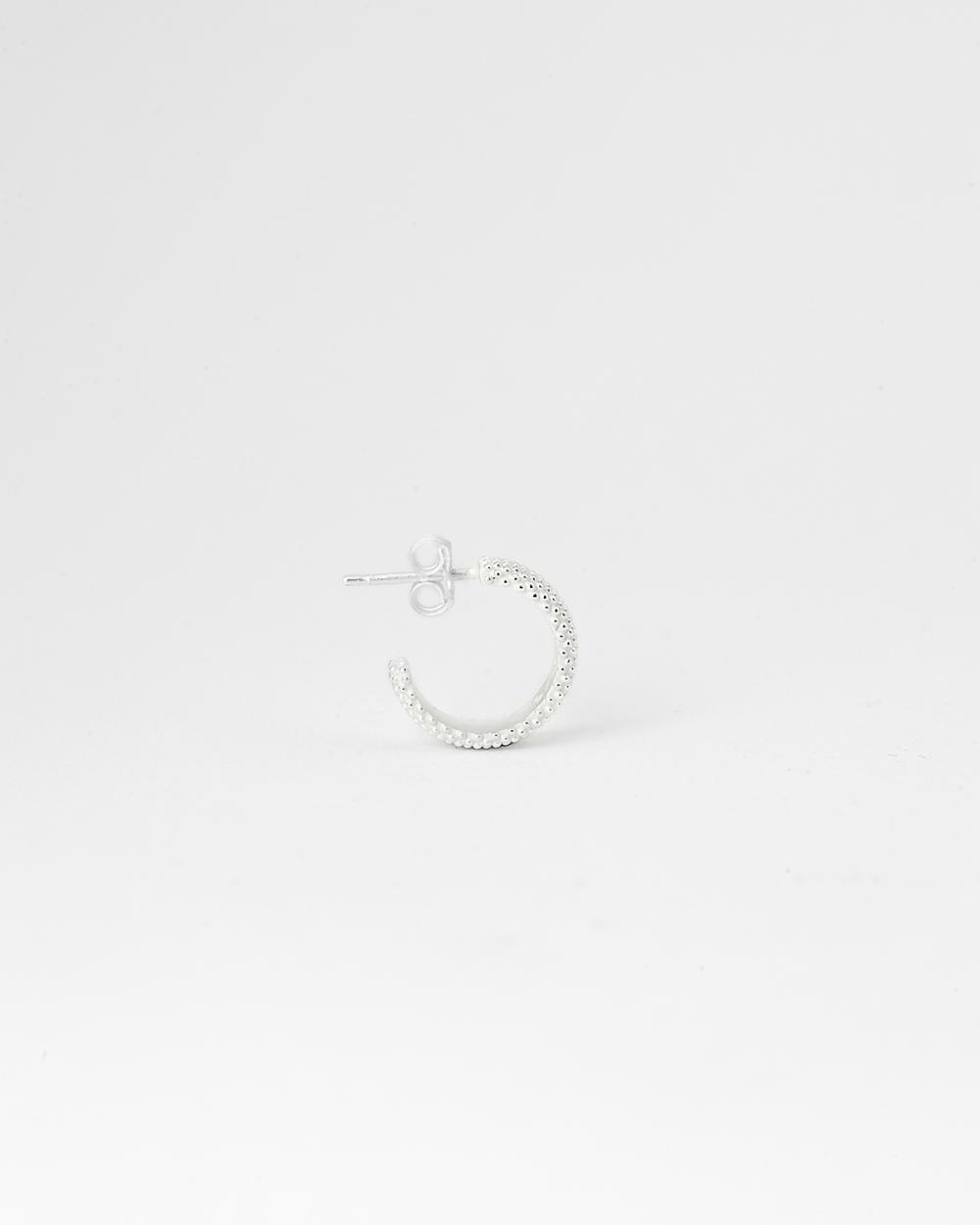 orecchino singolo cerchio puntinato piccolo bianco